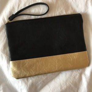 Gap faux leather black/gold clutch
